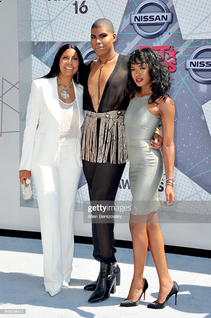 <a gi-track='captionPersonalityLinkClicked' href=/galleries/search?phrase=Cookie+Johnson&family=editorial&specificpeople=846852 ng-click='$event.stopPropagation()'>Cookie Johnson</a>, TV personality EJ Johnson and Elisa Johnson attend the 2016 BET Awards at Microsoft Theater on June 26, 2016 in Los Angeles, California.