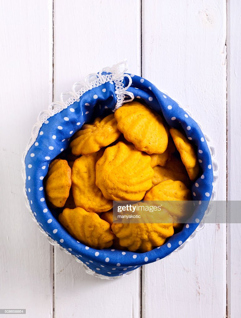 Cookies in a tin : Stock Photo