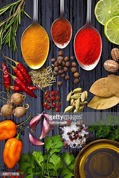 料理と調味料の食材を