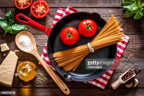 Cooking delicious italian spaghetti
