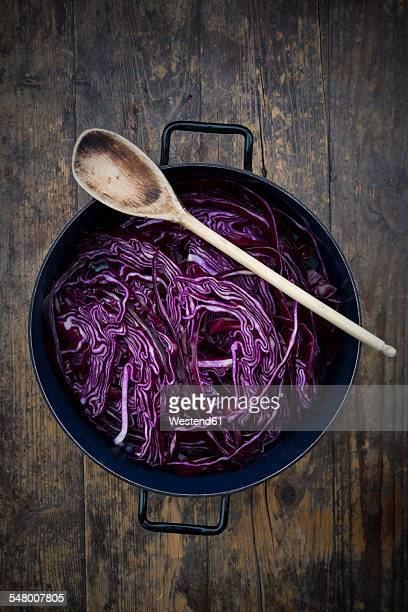 Cooking pot of red cabbage
