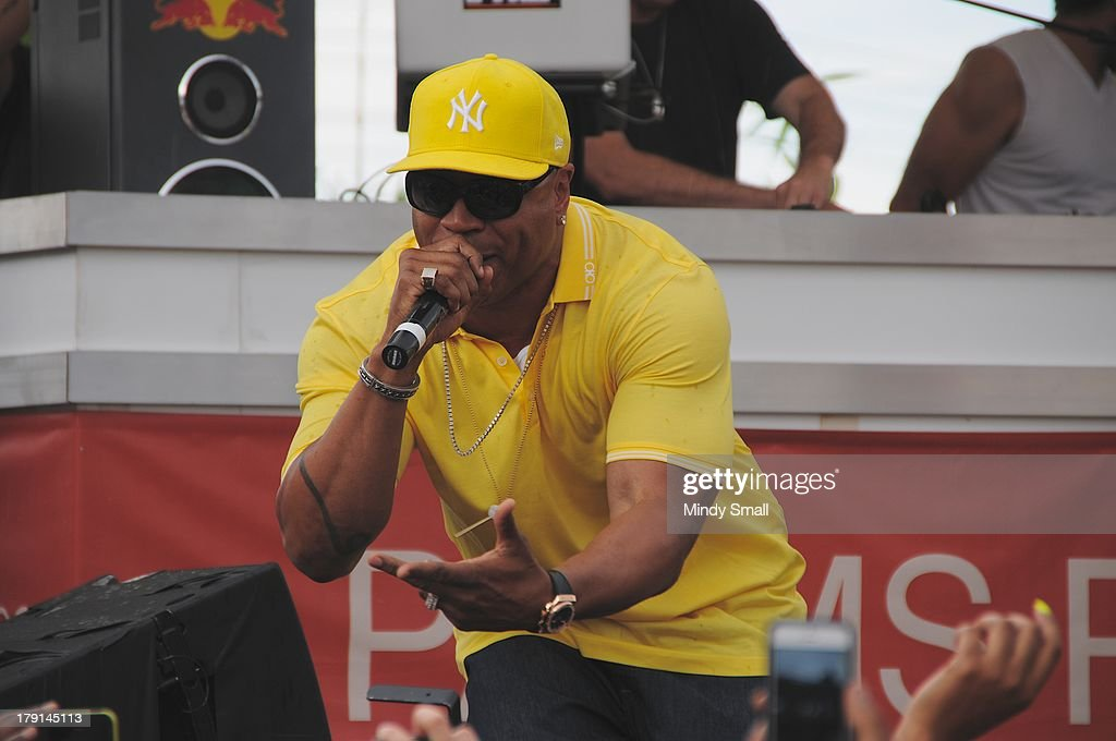 <a gi-track='captionPersonalityLinkClicked' href=/galleries/search?phrase=LL+Cool+J&family=editorial&specificpeople=201567 ng-click='$event.stopPropagation()'>LL Cool J</a> performs at 'Ditch Saturdays' at Ditch Pool & Dayclub at Palms Casino Resort on August 31, 2013 in Las Vegas, Nevada.