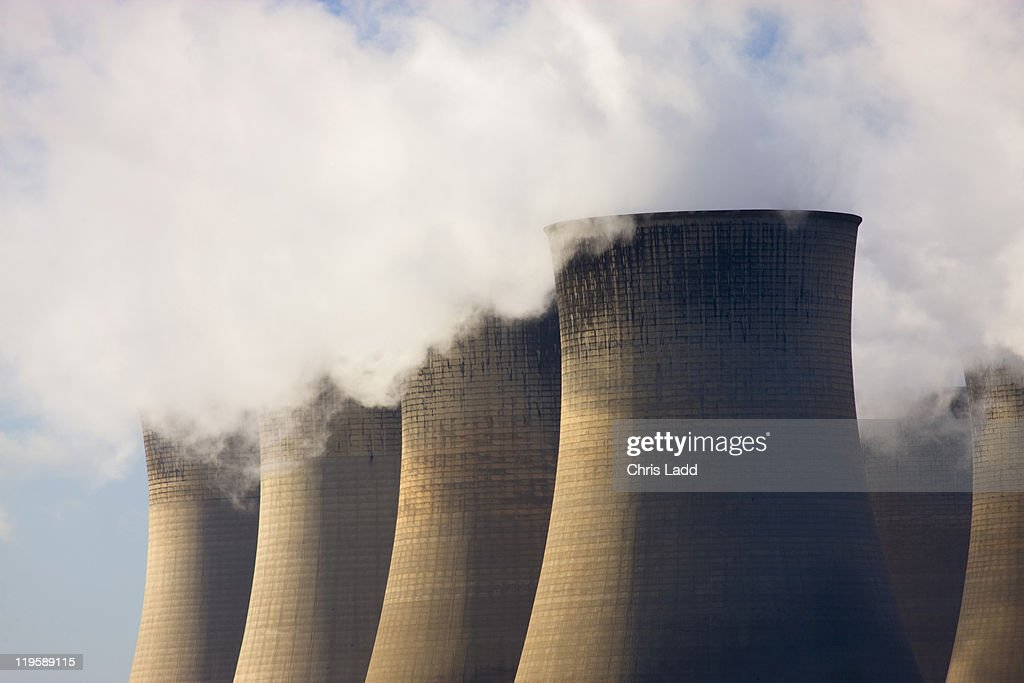 Cooling Towers with Vapour clouds, Power Station, Nottinghamshire, England : Stock Photo