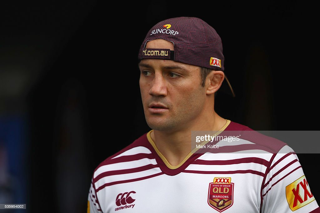 <a gi-track='captionPersonalityLinkClicked' href=/galleries/search?phrase=Cooper+Cronk&family=editorial&specificpeople=234620 ng-click='$event.stopPropagation()'>Cooper Cronk</a> walks out of the tunnel during a Queensland Maroons State Of Origin captain's run at ANZ Stadium on May 31, 2016 in Sydney, Australia.