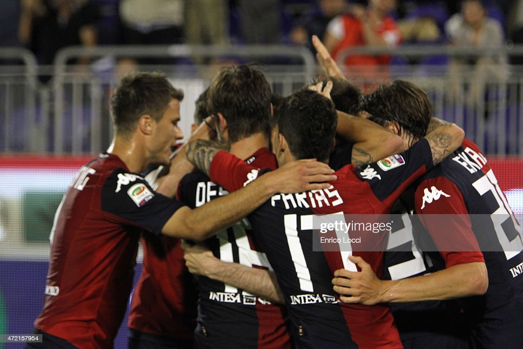 Cop Duje of Cagliari celebrated with the tammates the goal 40 during the Serie A match between Cagliari Calcio and Parma FC at Stadio Sant'Elia on...