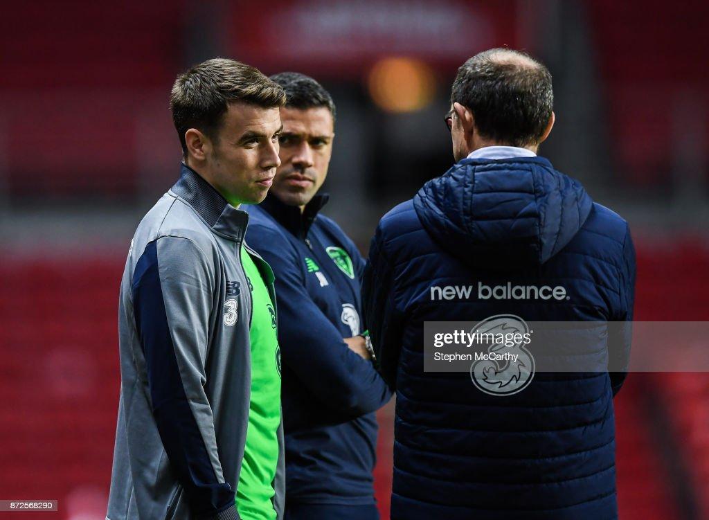 Copenhagen , Denmark - 10 November 2017; Seamus Coleman, left, and Jonathan Walters in coversation with manager Martin O'Neill during squad training at Parken Stadium in Copenhagen, Denmark.