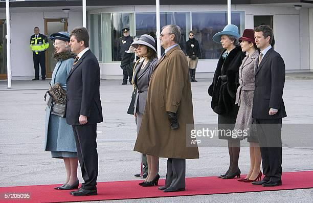 Bulgarian President Geogi Parvanov and Danish queen Margrethe review the honour guard in front of Mrs Zorka Parvanova Prince consort Henrik Danish...