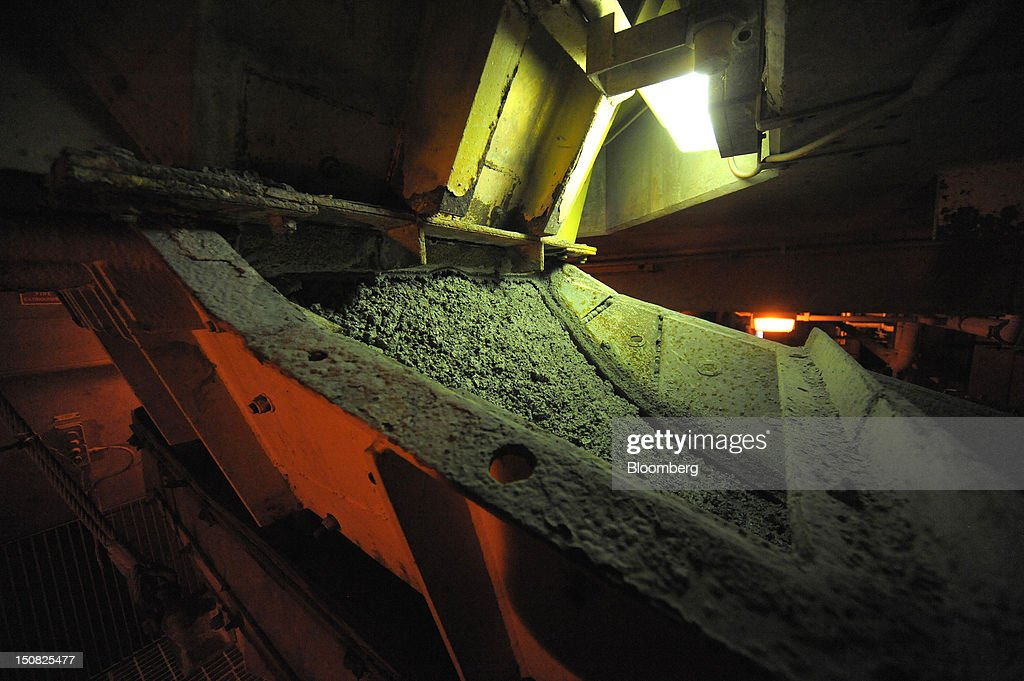 Copper ore is shaken down a filtration channel at the processing plant of Rio Tinto Group's Northparkes copper and gold underground block cave mine in Parkes, New South Wales, Australia, on Friday, Aug. 24, 2012. Northparkes last year produced 50,000 tons of copper. Rio owns 80 percent of the operation and Sumitomo Corp., the remainder. Photographer: Carla Gottgens/Bloomberg via Getty Images