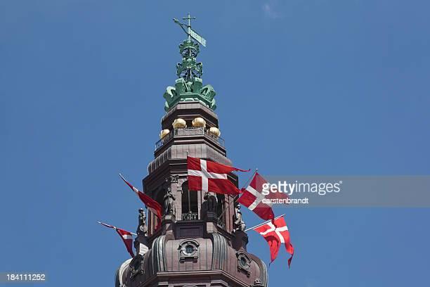 銅の尖塔のデンマーク議事堂