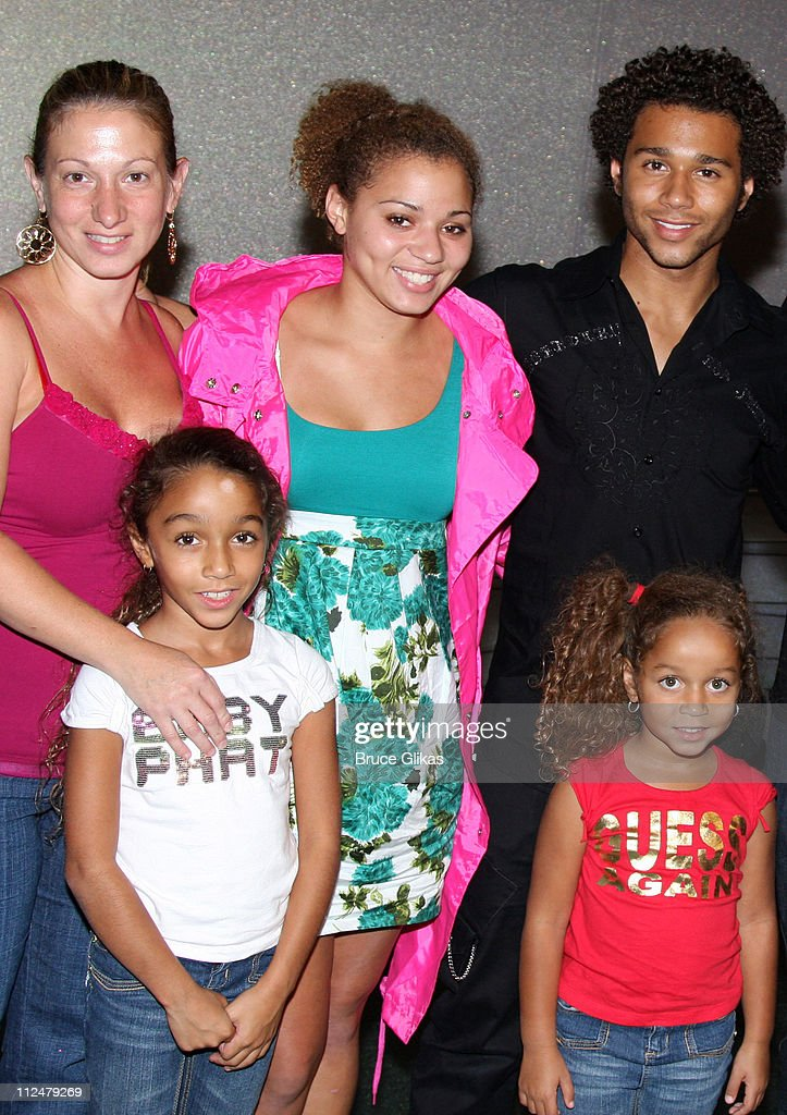 Corbin Bleu and his mother Martha Reivers and sisters Jag Reivers Hunter Reivers and Phoenix Reivers pose backstage at 'The Little Mermaid' on...