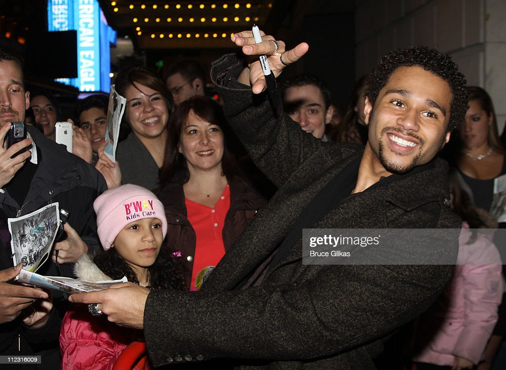 <a gi-track='captionPersonalityLinkClicked' href=/galleries/search?phrase=Corbin+Bleu&family=editorial&specificpeople=651888 ng-click='$event.stopPropagation()'>Corbin Bleu</a> interacts with fans as he joins the cast of Broadway's 'In The Heights' at Richard Rodgers Theatre on January 25, 2010 in New York City.