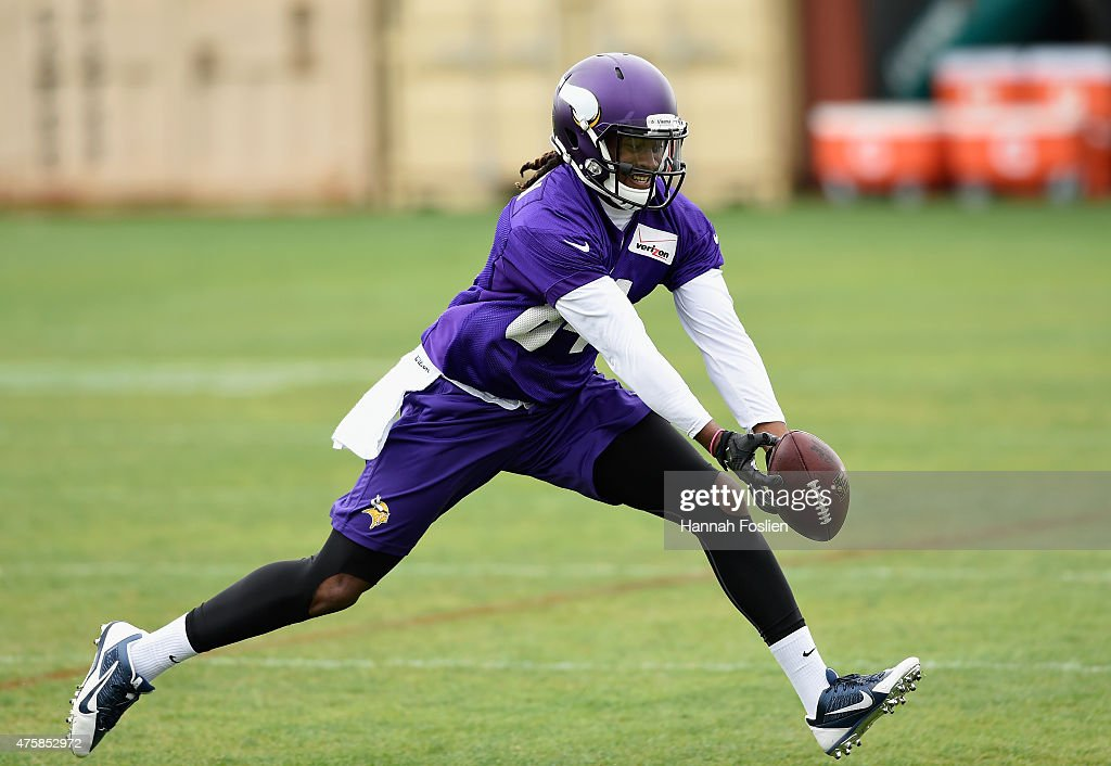 Cordarrelle Patterson #84 of the Minnesota Vikings makes a catch during practice on June 4, 2015 at Winter Park in Eden Prairie, Minnesota.