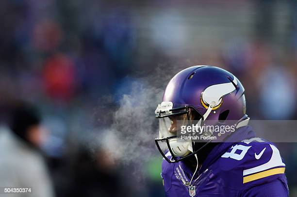 Cordarrelle Patterson of the Minnesota Vikings warms up prior to the NFC Wild Card Playoff game between the Minnesota Vikings and the Seattle...
