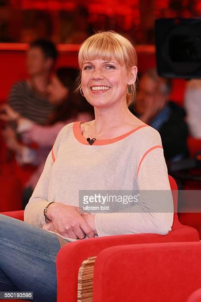 Cordula Stratmann die deutsche Schauspielerin Komikerin Moderatorin und Autorin zu Gast beim Talk aus Hannover Tietjen und Hirschhausen in Hannover