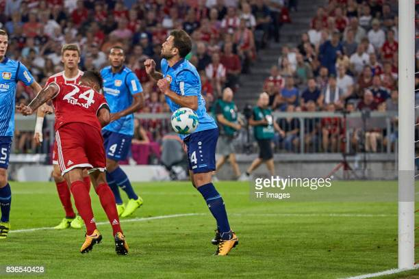 Corentin Tolisso of Muenchen scores a goal during the Bundesliga match between FC Bayern Muenchen and Bayer 04 Leverkusen at Allianz Arena on August...