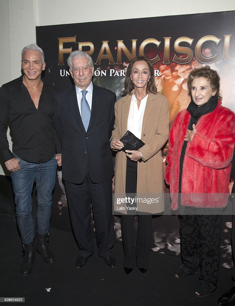 Coreographer Flavio Mendoza, Mario Vargas Llosa, Isabel Preysler and actress and director Norma Aleandro arrive at the Broadway Theatre to see the musical 'Franciscus' on May 5, 2016 in Buenos Aires, Argentina.