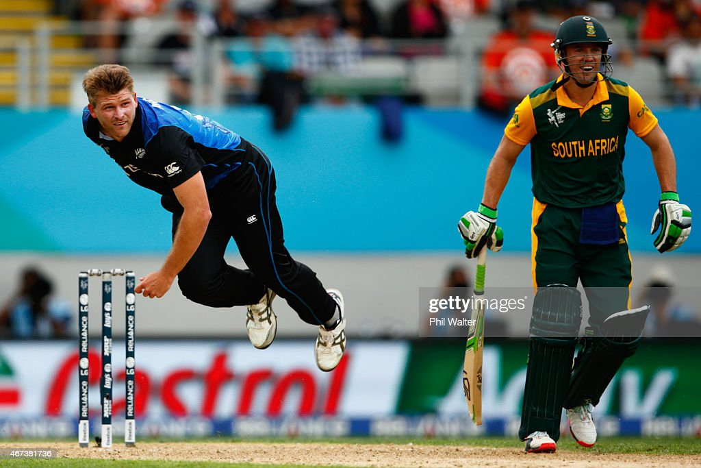 <a gi-track='captionPersonalityLinkClicked' href=/galleries/search?phrase=Corey+Anderson+-+Cricket+Player&family=editorial&specificpeople=12457249 ng-click='$event.stopPropagation()'>Corey Anderson</a> of New Zealand bowls during the 2015 Cricket World Cup Semi Final match between New Zealand and South Africa at Eden Park on March 24, 2015 in Auckland, New Zealand.