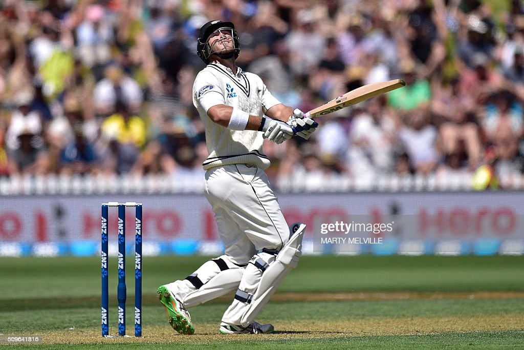 Corey Anderson of New Zealand plays a shot up high during the first cricket international five-day Test match between New Zealand and Australia at the Basin Reserve in Wellington on February 12, 2016. AFP PHOTO / MARTY MELVILLE / AFP / Marty Melville