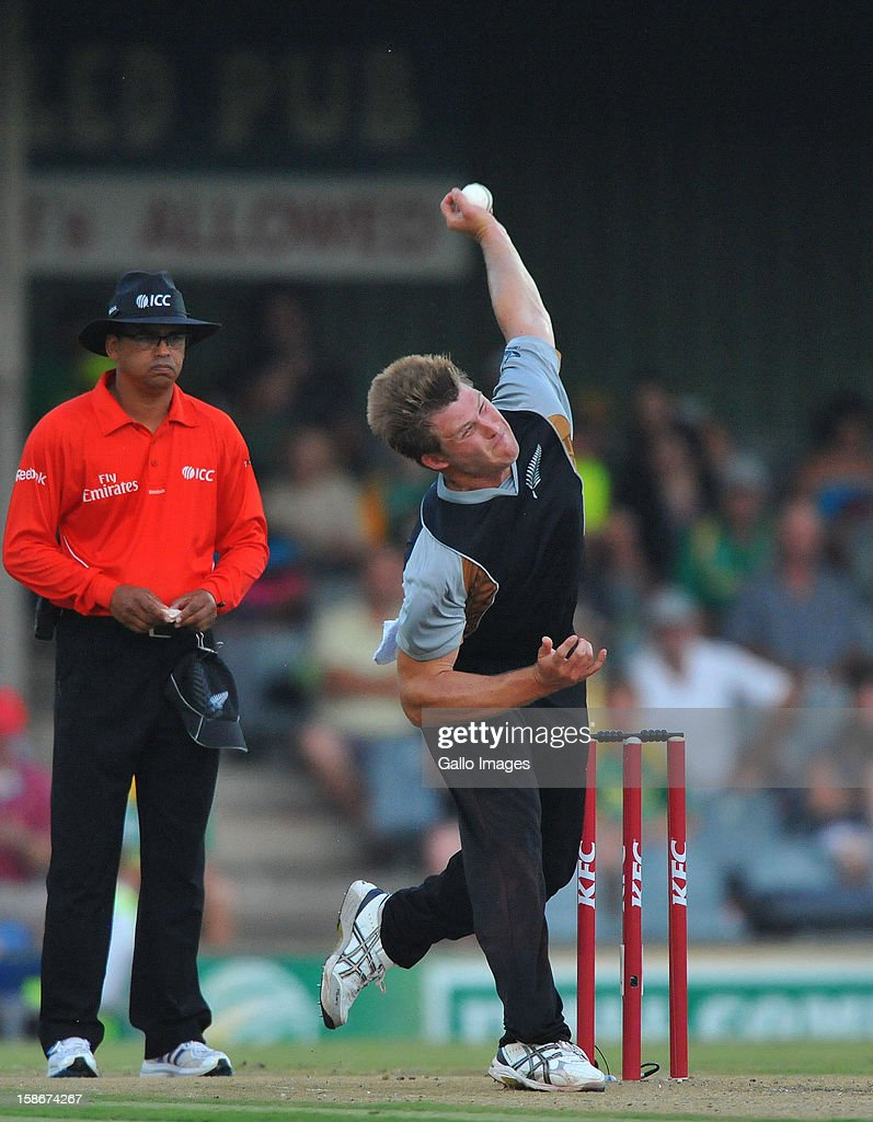 Corey Anderson of New Zealand sends off a delivery during the 2nd T20 match between South Africa and New Zealand at Buffalo Park on December 23, 2012 in East London, South Africa.