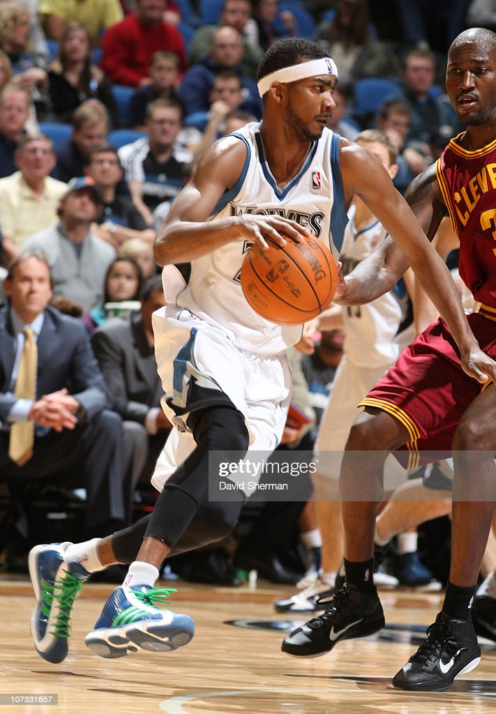 <a gi-track='captionPersonalityLinkClicked' href=/galleries/search?phrase=Corey+Brewer&family=editorial&specificpeople=234749 ng-click='$event.stopPropagation()'>Corey Brewer</a> #22 of the Minnesota Timberwolves drives the ball past against <a gi-track='captionPersonalityLinkClicked' href=/galleries/search?phrase=Jawad+Williams&family=editorial&specificpeople=200696 ng-click='$event.stopPropagation()'>Jawad Williams</a> #31 of the Cleveland Cavaliers during the game on December 4, 2010 at Target Center in Minneapolis, Minnesota.