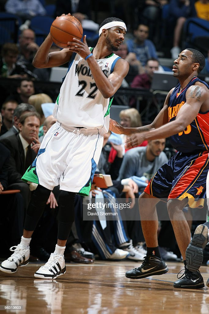 Corey Brewer of the Minnesota Timberwolves looks to pass against Reggie Williams of the Golden State Warriors during the game on April 7 2010 at the...