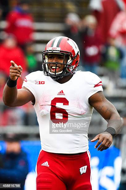 Corey Clement of the Wisconsin Badgers celebrates a touchdown during a game against the Rutgers Scarlet Knights at High Point Solutions Stadium on...