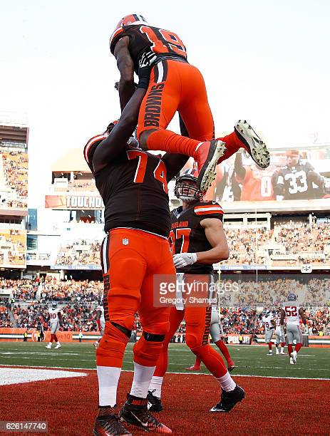 Corey Coleman celebrates his touchdown with Cameron Erving of the Cleveland Browns during the fourth quarter against the New York Giants at...
