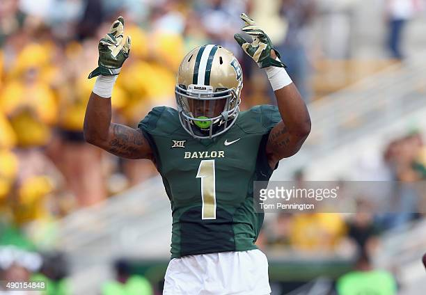 Corey Coleman of the Baylor Bears celebrates after scoring against the Rice Owls in the first quarter at McLane Stadium on September 26 2015 in Waco...