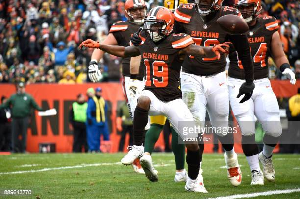 Corey Coleman of the Cleveland Browns celebrates a touchdown in the third quarter against the Green Bay Packers at FirstEnergy Stadium on December 10...