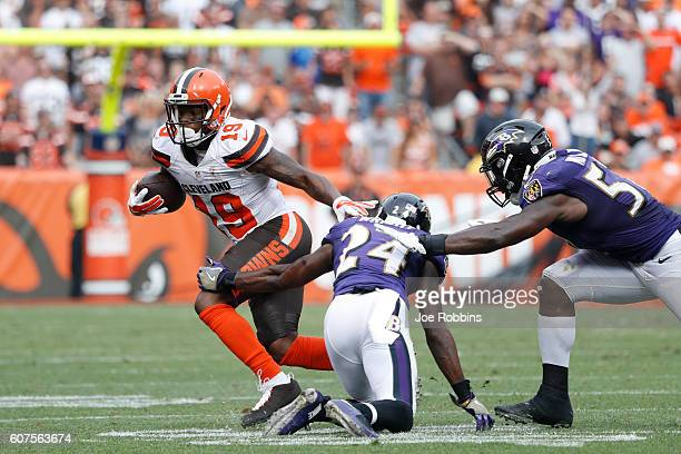 Corey Coleman of the Cleveland Browns makes an 11yard reception on fourth down against the Baltimore Ravens in the fourth quarter at FirstEnergy...