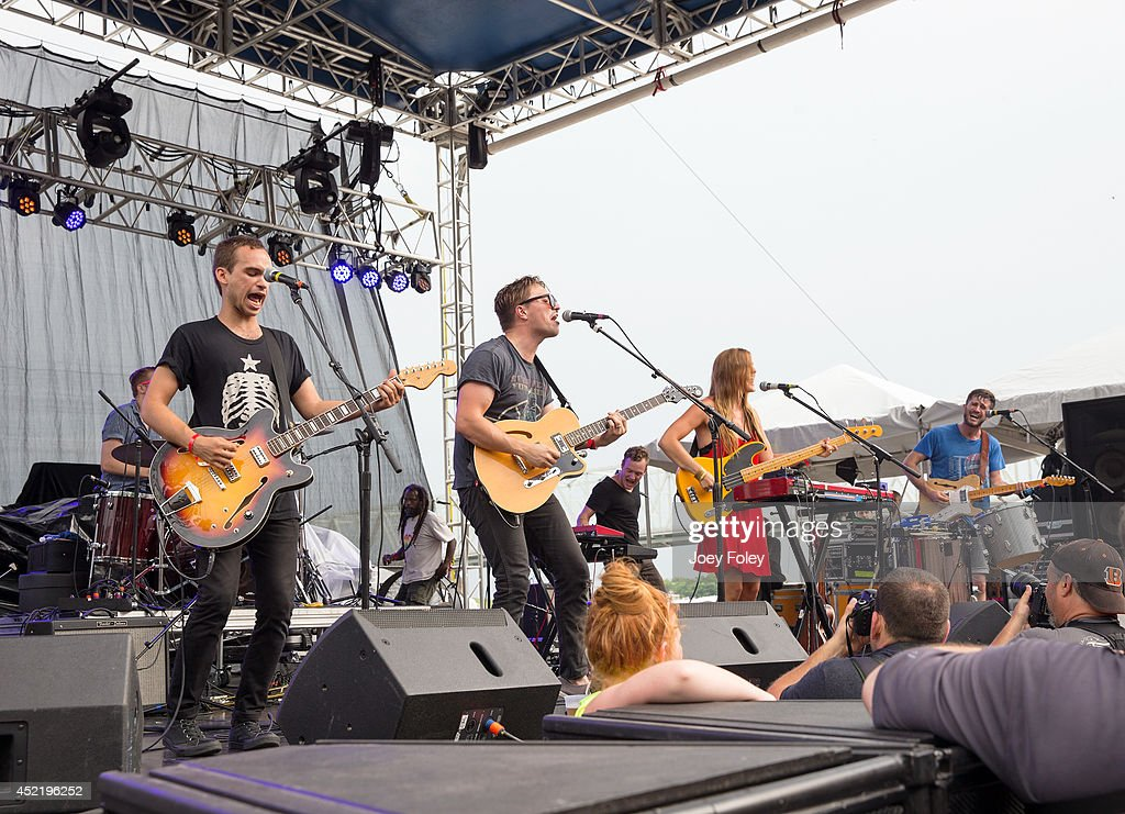 Corey Oxendine Gabe Simon David Krohn Kelsey Kopecky Markus Midkif and Steven Holmes of The Lighthouse and The Whaler performs live onstage during...