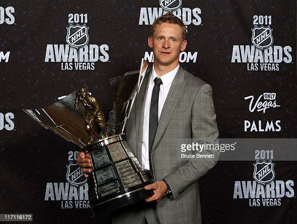 Corey Perry of the Anaheim Ducks poses after winning the Hart Memorial Trophy during the 2011 NHL Awards at The Pearl concert theater at the Palms...