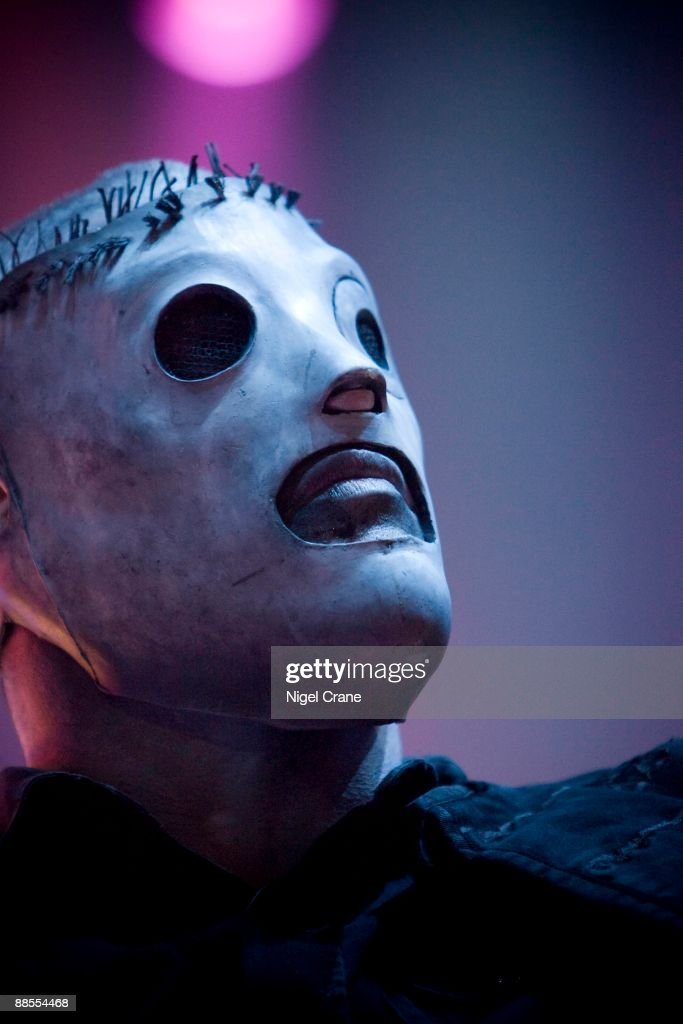 an analysis of slipknot an american band Paul gray (american musician) a backing vocalist, and a songwriter and one of the founding members of the grammy award-winning metal band slipknot.