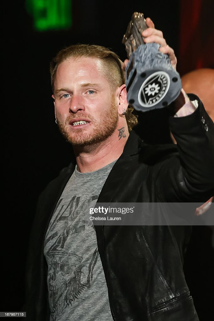 <a gi-track='captionPersonalityLinkClicked' href=/galleries/search?phrase=Corey+Taylor&family=editorial&specificpeople=2350413 ng-click='$event.stopPropagation()'>Corey Taylor</a> of Slipknot / Stone Sour receives the 'Best Vocalist' award at the 5th annual Revolver Golden Gods award show at Club Nokia on May 2, 2013 in Los Angeles, California.