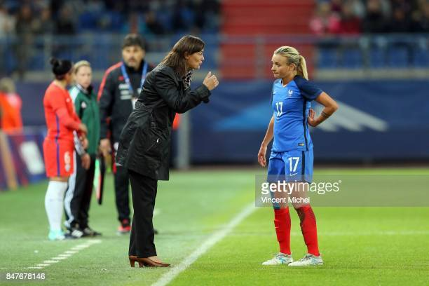 Corinne Diacre headcoach of France and Marion Torrent of France during the women's international friendly match between France and Colombia at Stade...