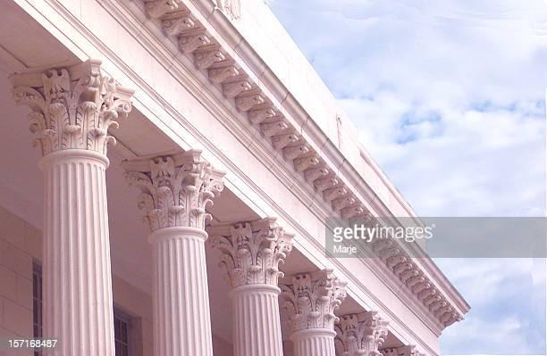 Des colonnes corinthiennes