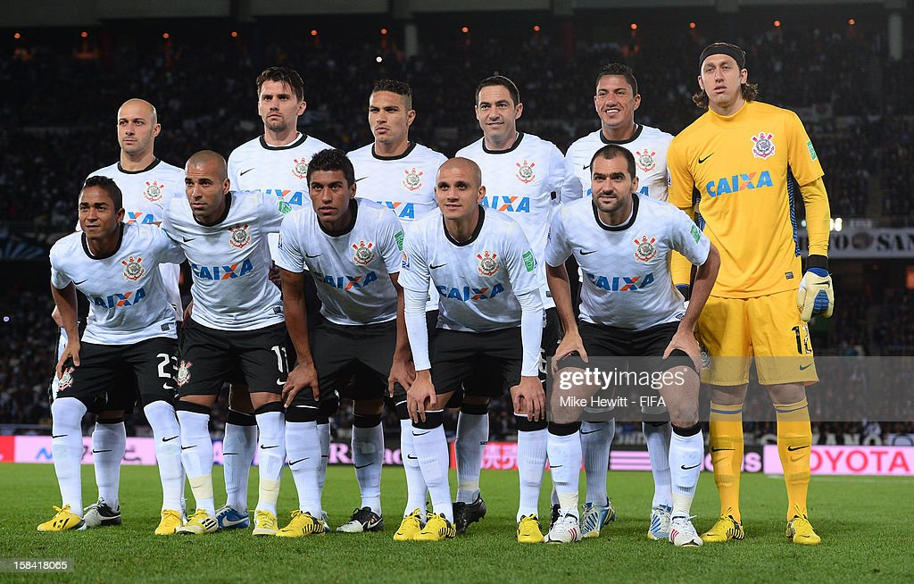 Corinthians line yp for a team photo prior to the FIFA Club World Cup Final Match between Corinthians and Chelsea at International Stadium Yokohama on December 16, 2012 in Yokohama, Japan.