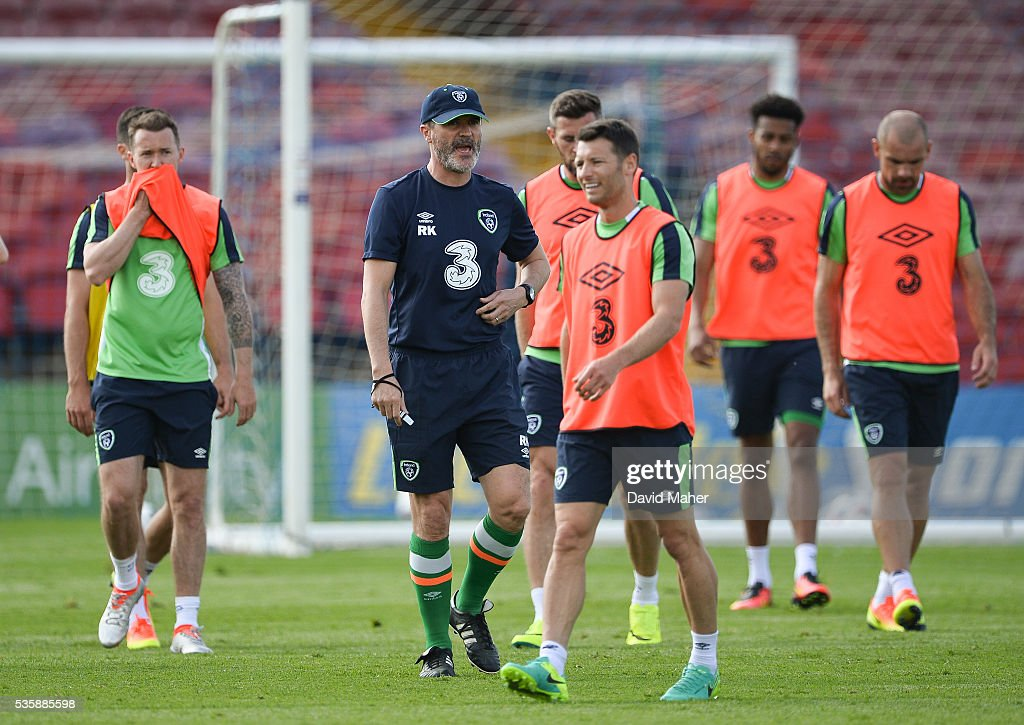Cork , Ireland - 30 May 2016; Republic of Ireland assistant manager <a gi-track='captionPersonalityLinkClicked' href=/galleries/search?phrase=Roy+Keane&family=editorial&specificpeople=171835 ng-click='$event.stopPropagation()'>Roy Keane</a> during squad training in Turners Cross, Cork.