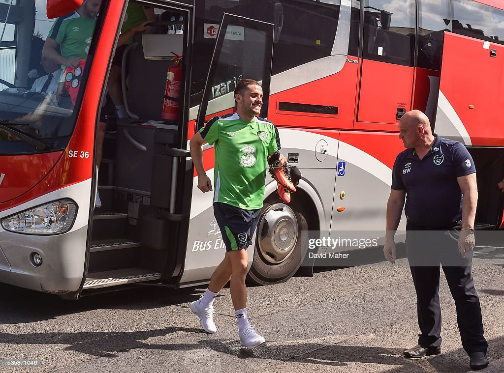 Cork , Ireland - 30 May 2016; <a gi-track='captionPersonalityLinkClicked' href=/galleries/search?phrase=Robbie+Brady&family=editorial&specificpeople=9028769 ng-click='$event.stopPropagation()'>Robbie Brady</a> of Republic of Ireland arriving for squad training in Turners Cross, Cork.