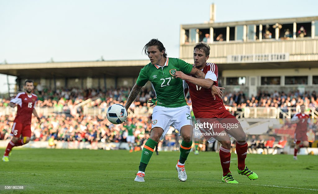Cork , Ireland - 31 May 2016; Jeff Hendrick of Republic of Ireland in action against Maksim Valadzko of Belarus during the EURO2016 Warm-up International between Republic of Ireland and Belarus in Turners Cross, Cork.