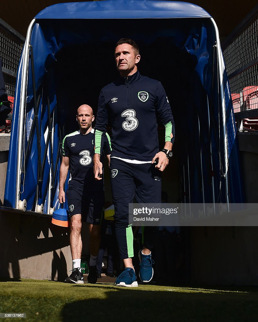 Cork , Ireland - 31 May 2016; <a gi-track='captionPersonalityLinkClicked' href=/galleries/search?phrase=Robbie+Keane&family=editorial&specificpeople=171824 ng-click='$event.stopPropagation()'>Robbie Keane</a> of Republic of Ireland before the start of the the EURO2016 Warm-up International between Republic of Ireland and Belarus in Turners Cross, Cork.