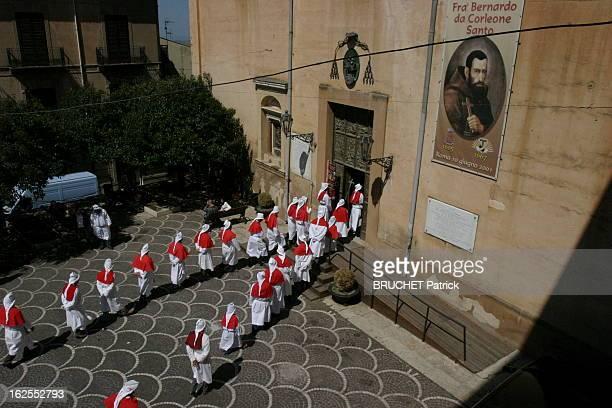 Corleone Corleone en Sicile le village du parrain de la MafiaLa procession du vendredi saint