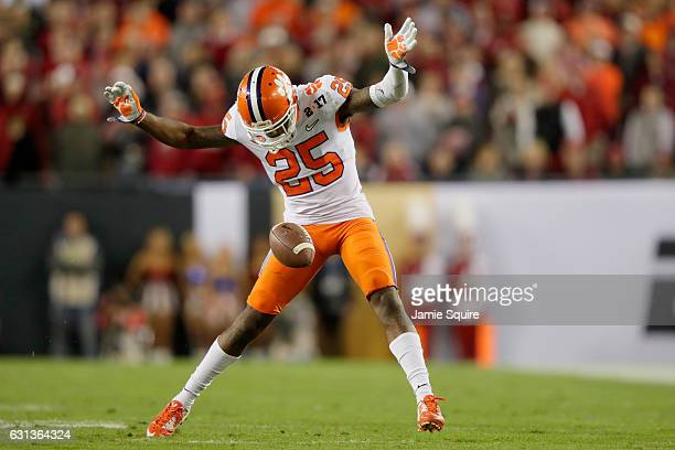 Cornerback Cordrea Tankersley of the Clemson Tigers avoids the ball on a punt in the second quarter against the Alabama Crimson Tide in the 2017...
