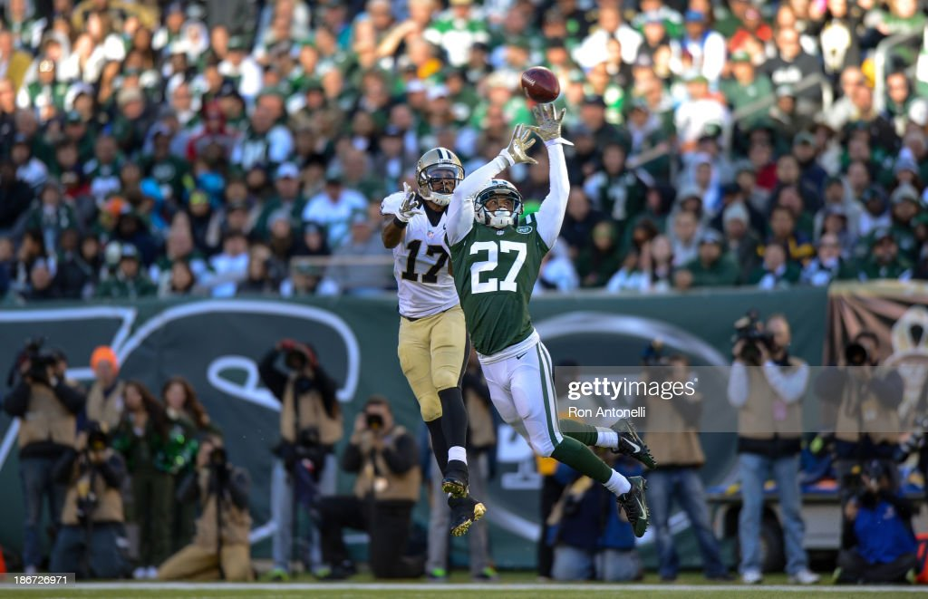 Cornerback <a gi-track='captionPersonalityLinkClicked' href=/galleries/search?phrase=Dee+Milliner&family=editorial&specificpeople=7425020 ng-click='$event.stopPropagation()'>Dee Milliner</a> #27 of the New York Jets breaks up a pass to wide receiver <a gi-track='captionPersonalityLinkClicked' href=/galleries/search?phrase=Robert+Meachem&family=editorial&specificpeople=2128641 ng-click='$event.stopPropagation()'>Robert Meachem</a> #17 of the New Orleans Saints in the 2nd half of the Jets 26-20 win over the New Orleans Saints at MetLife Stadium on November 3, 2013 in East Rutherford, New Jersey.