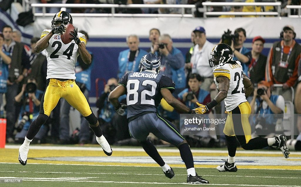 Cornerback Ike Taylor #24 of the Pittsburgh Steelers intercepts a pass in front of wide receiver Darrel Jackson #82 of the Seattle Seahawks in the fouth quarter of Super Bowl XL at Ford Field on February 5, 2006 in Detroit, Michigan.