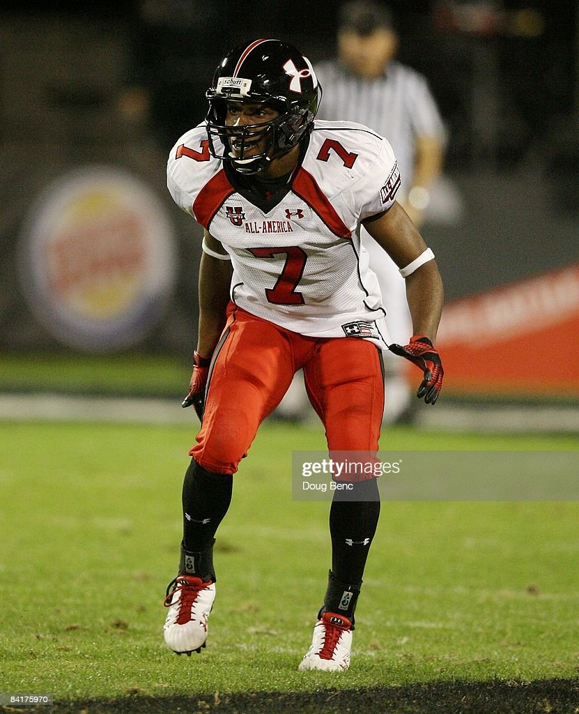 Cornerback Janzen Jackson of the white team drops back into coverage in the All America Under Armour Football Game at Florida Citrus Bowl on January...