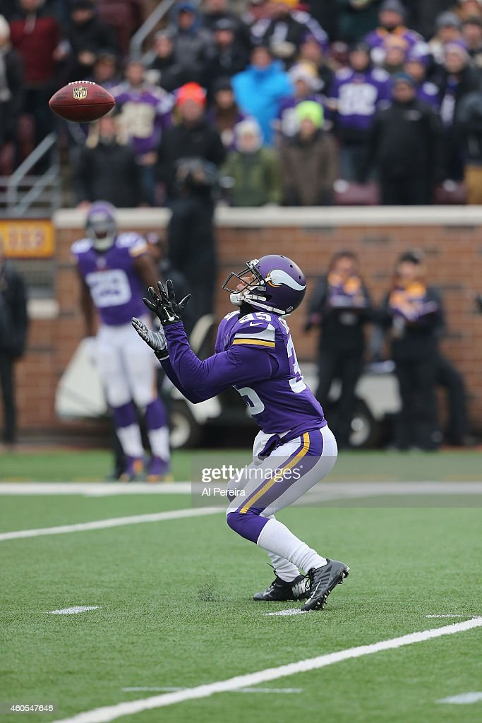Cornerback Marcus Sherels the Minnesota Vikings has a long kickoff return against the New York Jets at TCFBank Stadium on December 7 2014 in...