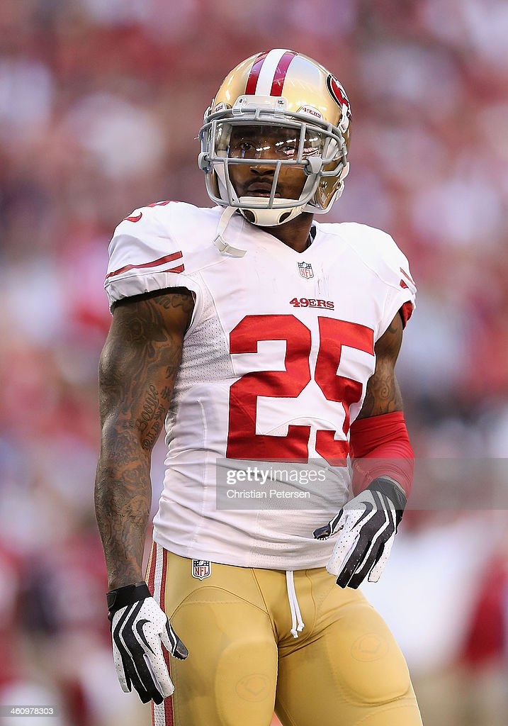 Cornerback <a gi-track='captionPersonalityLinkClicked' href=/galleries/search?phrase=Tarell+Brown&family=editorial&specificpeople=2105844 ng-click='$event.stopPropagation()'>Tarell Brown</a> #25 of the San Francisco 49ers during the NFL game against the San Francisco 49ers at the University of Phoenix Stadium on December 29, 2013 in Glendale, Arizona. The 49ers defeated the Cardinals 23-20.