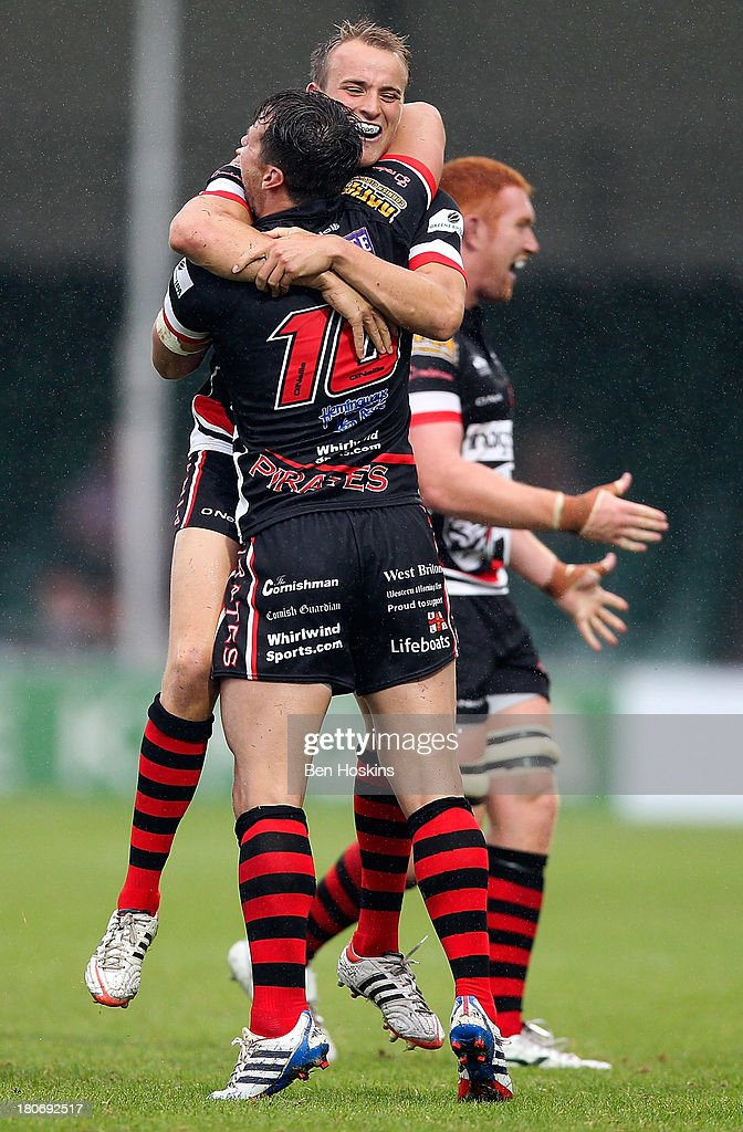 Cornish Pirates players celebrate the win during the Greene King IPA Championship match between the Cornish Pirates and Bristol Rugby at Sandy Park...