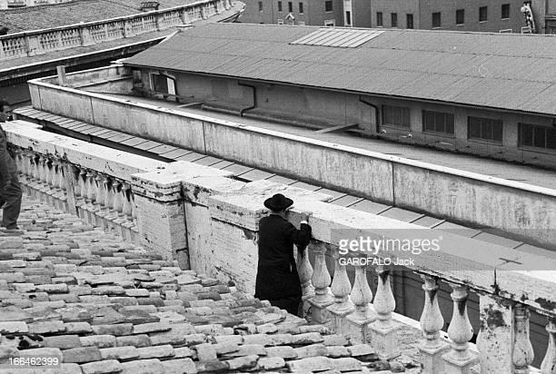 Coronation Of John Xxiii Rome 4 Novembre 1958 Lors du couronnement du pape Jean XXIII plan sur un toit terrasse en tuiles située latéralement à...